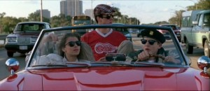 Sloane Peterson (Mia Sara, left), Cameron Fry (Alan Ruck, center), and Ferris Bueller (Matthew Broderick, right) enjoy their day off.