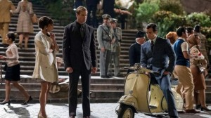 Gaby Teller (Alicia Vikander), Illya Kuryakin (Armie Teller), and Napoleon Solo (Henry Cavill, from left to right) ponder how to stop the evil Vinciguerras.